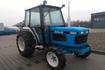Traktor Ford New Holland 1920